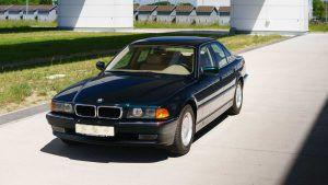BMW 740i iz 1998. u salonskom stanju sa 255 kilometara traži novog vlasnika!