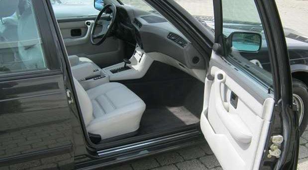 BMW 745i iz 1986. traži novog vlasnika, a broji svega 1.420 kilometara