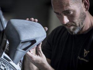 Cupra Leon Competición naručite online, ako ste spremni za stazu i detalje izrađene 3D printerom