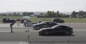 Ferrari F12 Berlinetta vs Tesla Model S P100D, može li atmosferski V12 prednjačiti nad modernim elektromotorom?