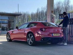 Ferrari FF sa Capristo ispuhom garantira pravu simfoniju V12 zvuka