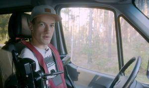 Snaga volje i inspiracija za sve, James vozi Sprinter bez ruku i nogu!