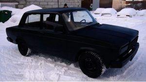 Lada kao BMW X6 u Vantablack boji, probajte je ostaviti na suncu
