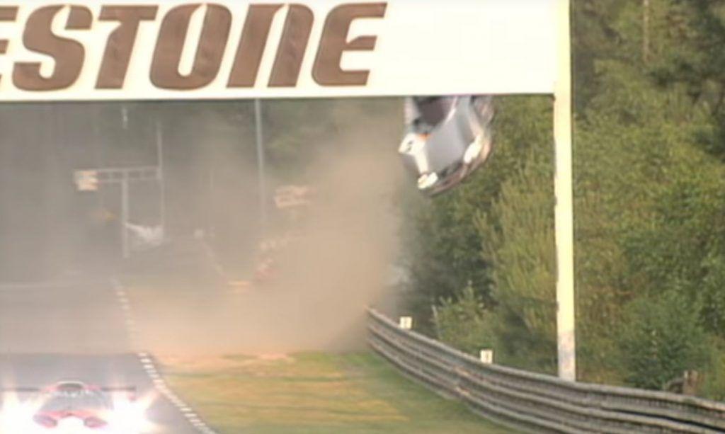 Mercedes-Benz CLR vjerojatno je model s najspektakularnijim letom u povijesti svih utrka