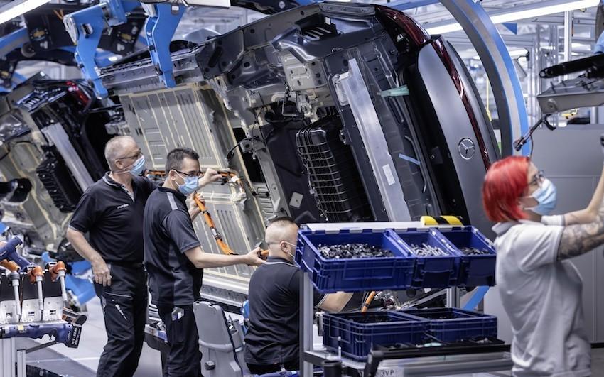 Mercedes EQS danas i službeno krenuo s proizvodnjom