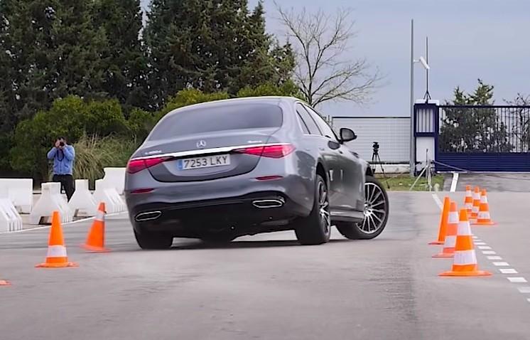 Mercedes-Benz S-klasa propisno razbacala čunjeve na testu izbjegavanja sjevernog jelena