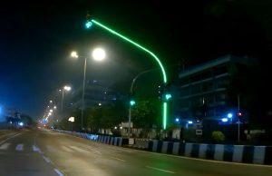 Semafor budućnosti, LED diode prate signalizaciju po cijeloj dužini stupova