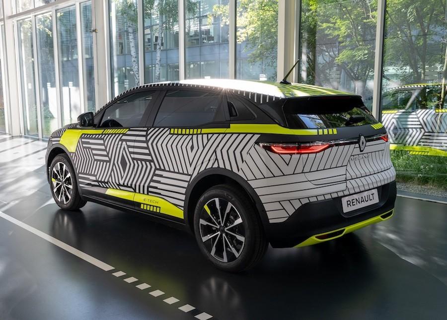 Renault Megane E-Tech (2022.), prototip otkriva transformaciju kompakta u crossover električnog karaktera