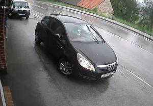 Ručna kočnica zakazala, u Svetom Ivanu Zelini vozač u sekundi ostao bez Opel Corse