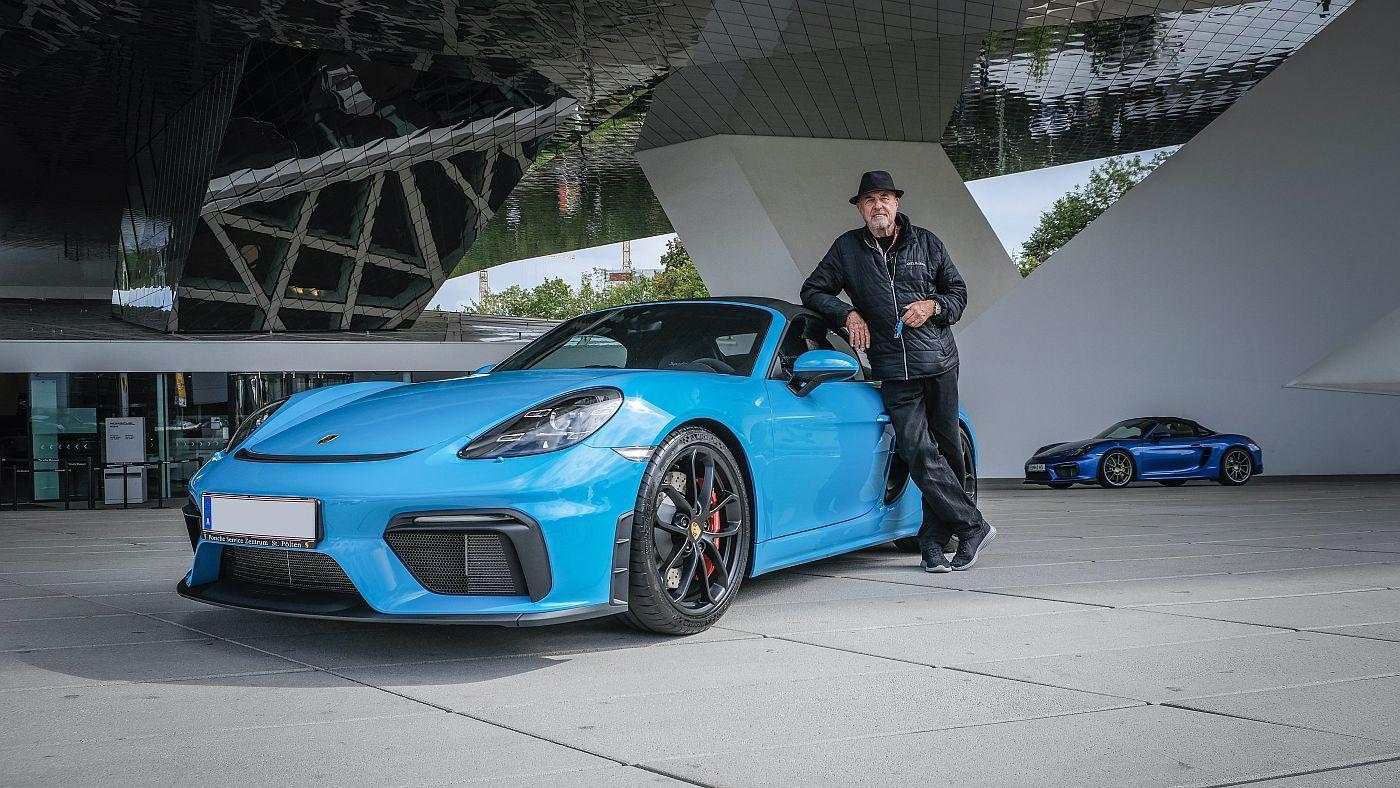 80-godišnjak kupio novi Porsche i upotpunio nestvarnu kolekciju