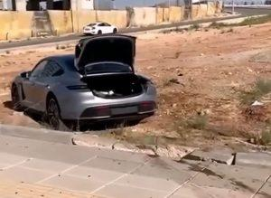 Porsche Taycan demonstracija moći i transformacije u karambol u par sekundi