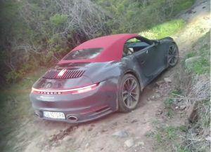 Porsche 911 Carrera 4S Cabriolet u off-road vožnji, gdje ti je pamet čovječe?