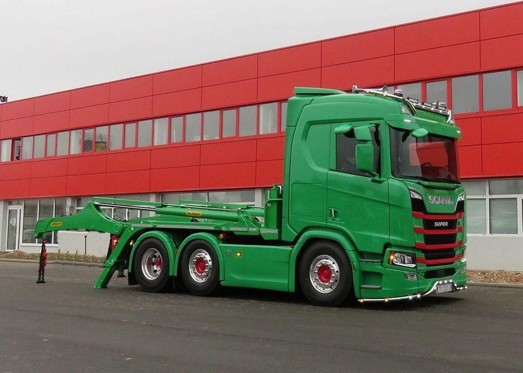 Scania R 650 V8 iz više razloga je posebna za obitelj Buterin