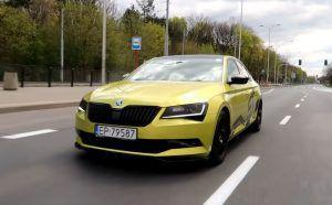 Škoda Superb pravi je 'sleeper', pogledajte kako se nosi s čak 560 KS!