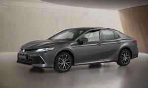 Toyota Camry već dobiva novi facelift tretman