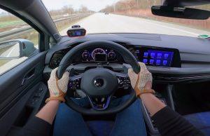 Volkswagen Golf R rezervirao lijevu traku na Autobahnu i grabi do 289 km/h!