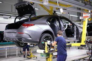 Mercedes-Benz zbog koronavirusa obustavlja proizvodnju u Kecskemétu!
