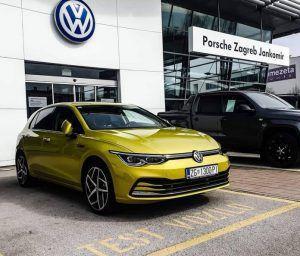 Već se stvara gužva, stigao je Volkswagen Golf 8!