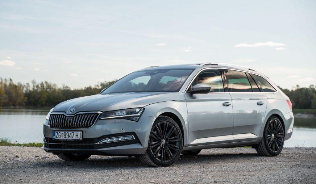 Škoda Superb Combi Premium 2.0 TDI DSG, kod nje se prostor mjeri u kvadratnim metrima, a mane traže povećalom