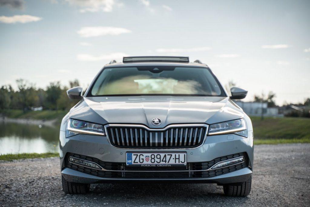 Škoda Superb Combi Premium 2.0 TDI DSG, kod nje se prostor mjeri u kvadratnim metrima, a mane traže povećalom 2