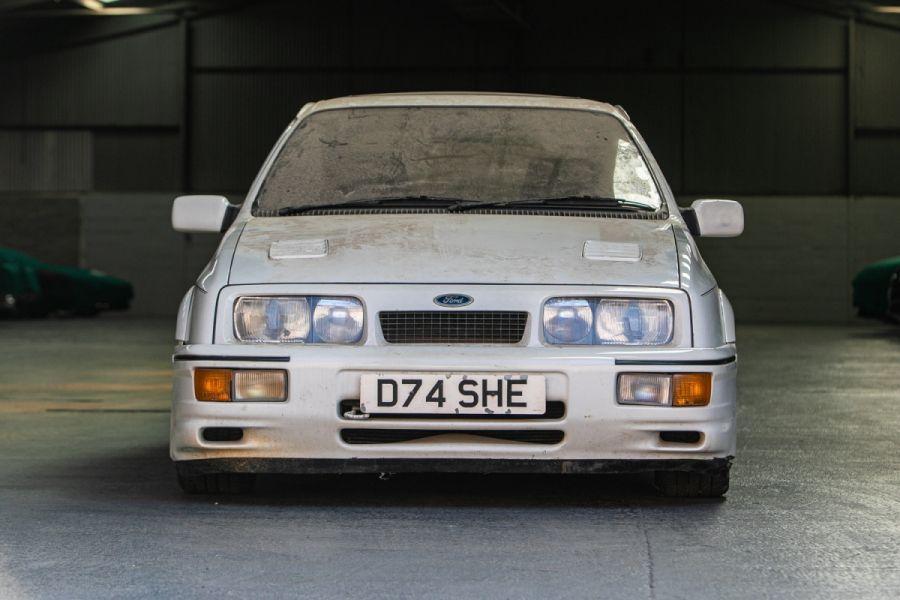 Ford Sierra RS Cosworth iz 1987. traži novog kupca, u zapuštenom stanju može dosegnuti cifru od 40.000 eura