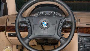 BMW 740i iz 1998. u salonskom stanju sa 255 kilometara traži novog vlasnika! 2