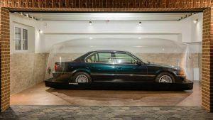 BMW 740i iz 1998. u salonskom stanju sa 255 kilometara traži novog vlasnika! 1