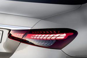 Osvježena Mercedes-Benz E klasa donosi nove tehnologije i ponovno podiže standarde u klasi! 3