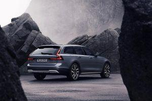 Volvo predstavio redizajnirane modele S90 i V90! 2