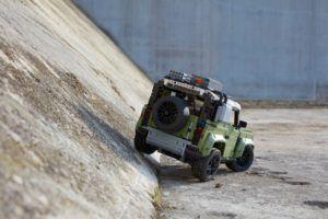 Land Rover Defender u Lego izdanju još stigne pod bor! 2