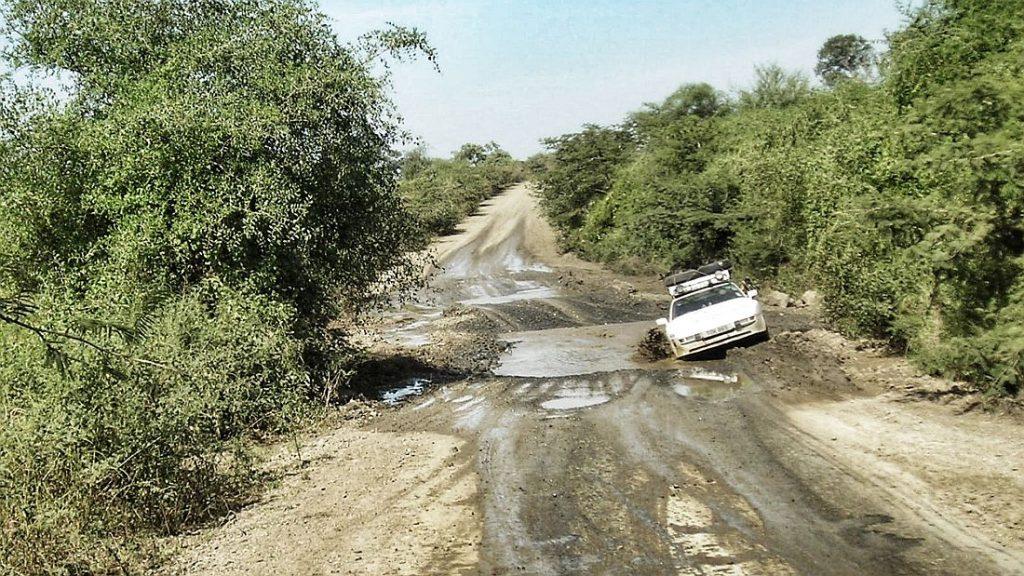 Porsche 944 osvojio Afriku u avanturi dugoj 21.000 kilometar 13