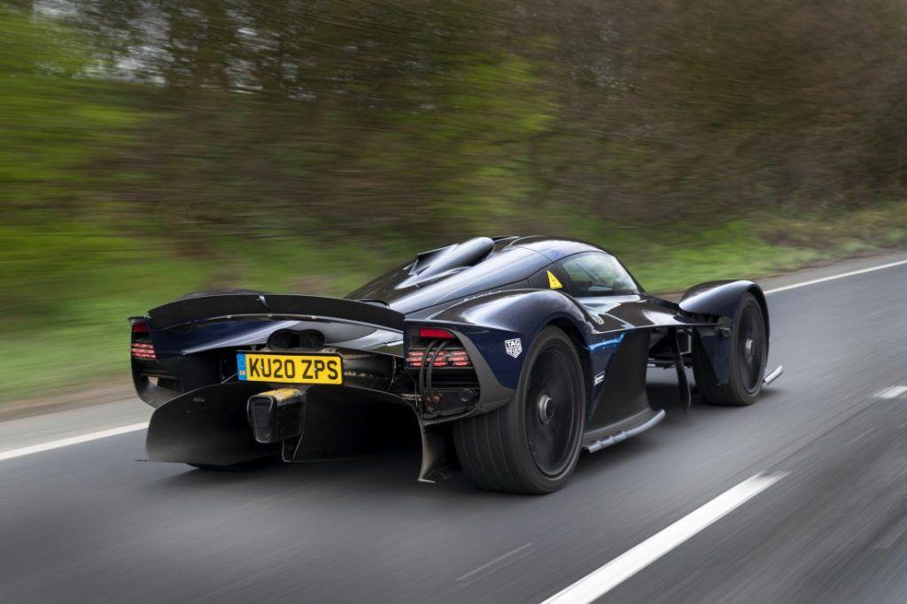 Aston Martin Valkyrie kao batmobile, nevjerojatni model u najavi odrađuje prve test vožnje 1