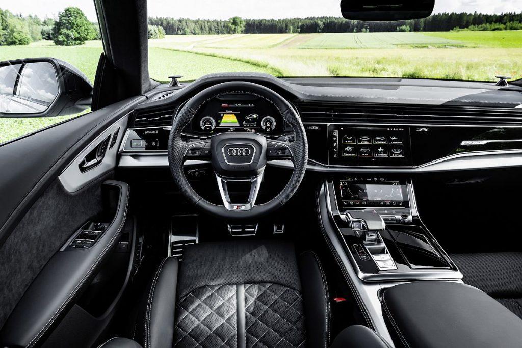 Audi Q8 60 TFSI e vozi do 60 km samo na struju i broji 462 KS! 2