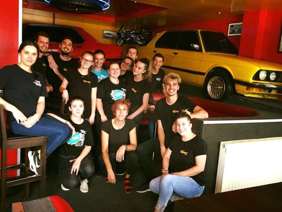 Ako ste ljubitelj bavarske marke i pizze, onda pravac u - pizzeria BMW! 3