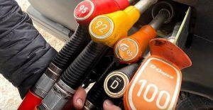 Što se dogodi s automobilom kada istovremeno ulijete sve vrste goriva?
