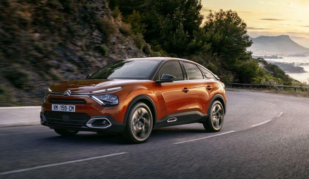 Citroën C4 od sad vozi kao crossover, uz benzinsku i dizelsku inačicu, velika novost je električni Ë-C4