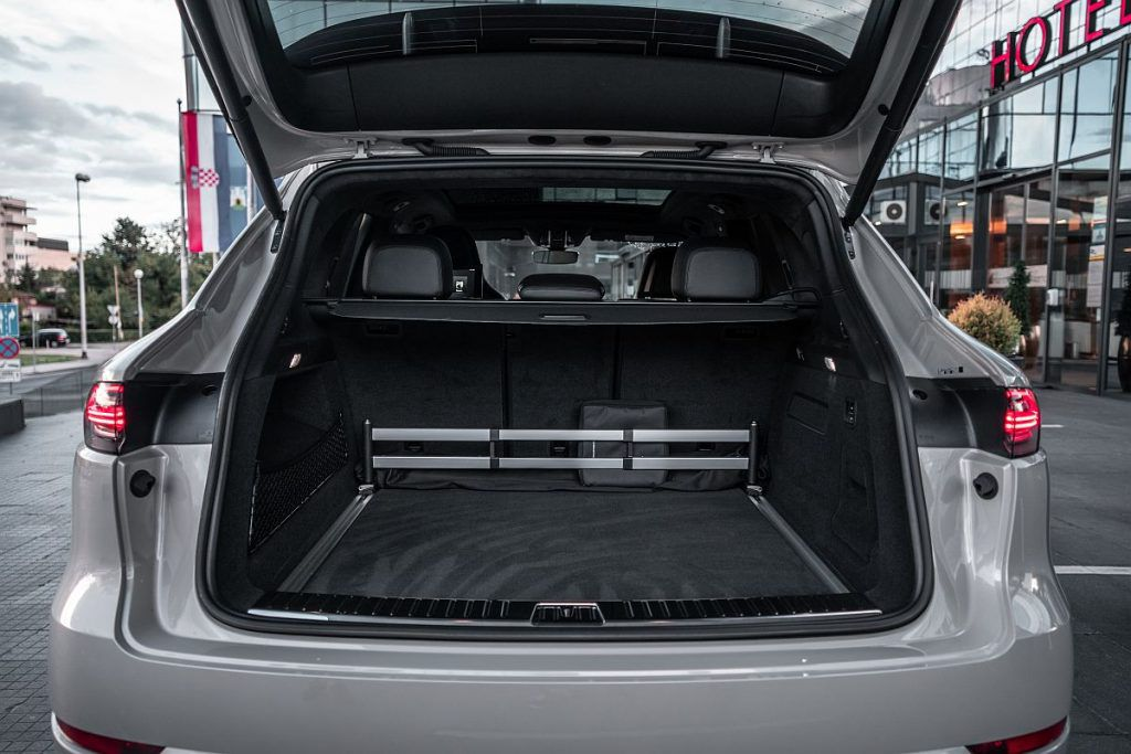 Porsche Cayenne GTS, definicija poslovnog uspjeha i sportskog karaktera vlasnika 5
