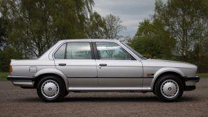 Kultni BMW serije 3 u netipičnoj 325iX izvedbi traži novog vlasnika 1