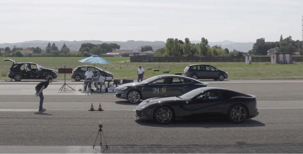 DT Ferrari vs Tesla