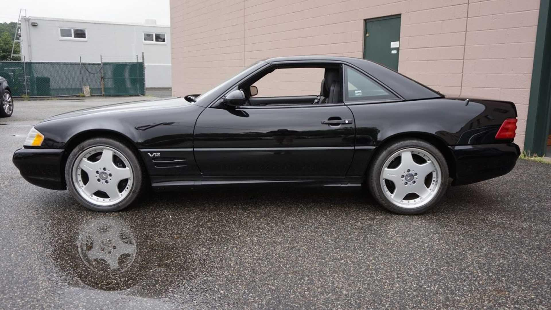 Kakav klasik, Mercedes-Benz SL600 koji je prešao samo 687 kilometara, čeka novog vlasnika
