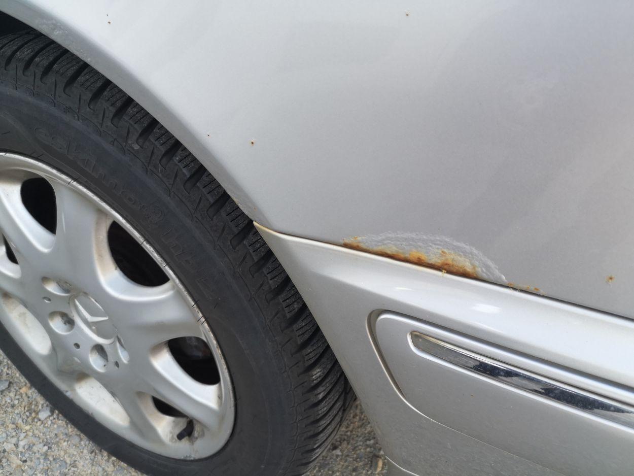 Hrđa korozija na automobilu