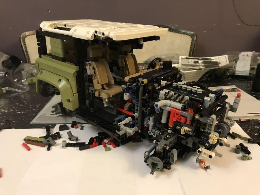 Složili smo Land Rover Defender LEGO Technic, opravdani razlog za otkrivanje djetinjaste strane 4