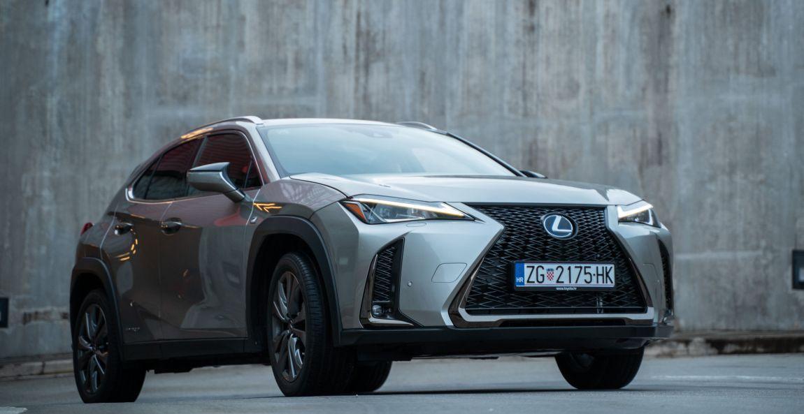 Lexus UX h DT