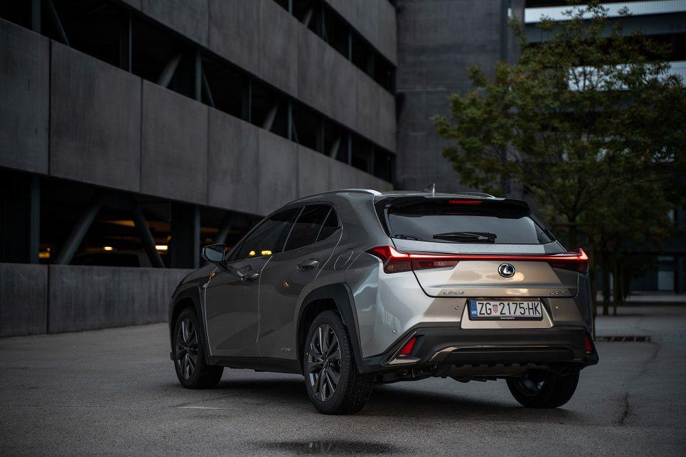 Lexus ponovno briljira, proglašen najpouzdanijom automobilskom markom! 1