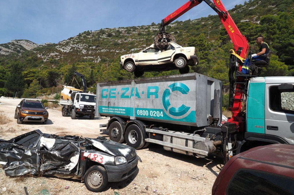 Zelene stope očistile otok Mljet, uklonjene i posljednje auto olupine 5