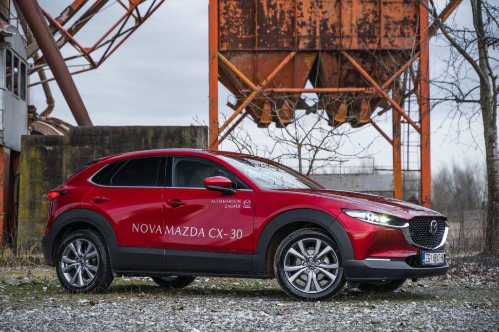 Mazda CX-30 Skyactiv G122 Plus - dizajnerski melem za oči i ljubiteljica tradicije