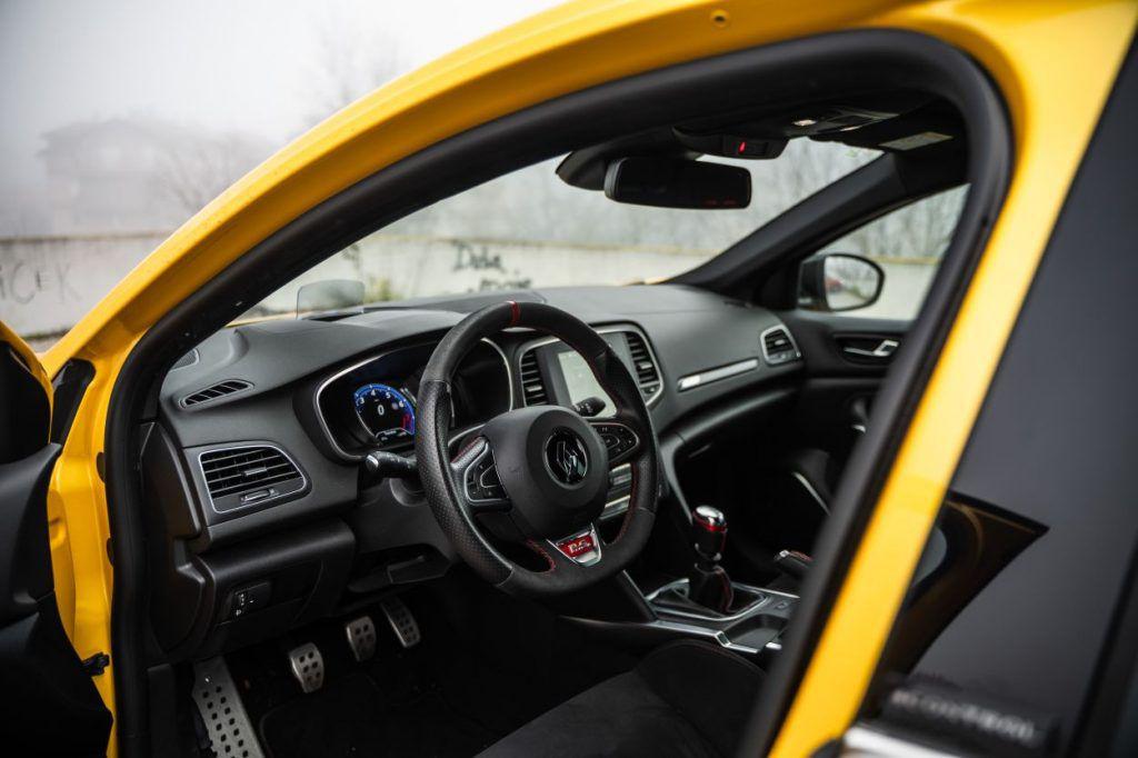 Renault Megane RS Trophy TCe 300 i dalje je definicija ultimativnosti, zadržava li titulu kralja staza? 13