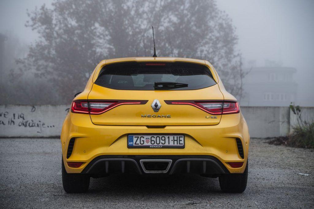 Renault Megane RS Trophy TCe 300 i dalje je definicija ultimativnosti, zadržava li titulu kralja staza? 11