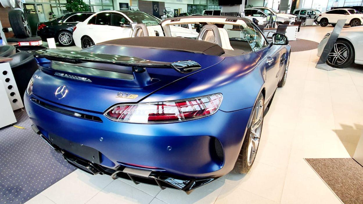 Ekstremni Mercedes-AMG GT R Roadster u Zagrebu čeka novog vlasnika 1