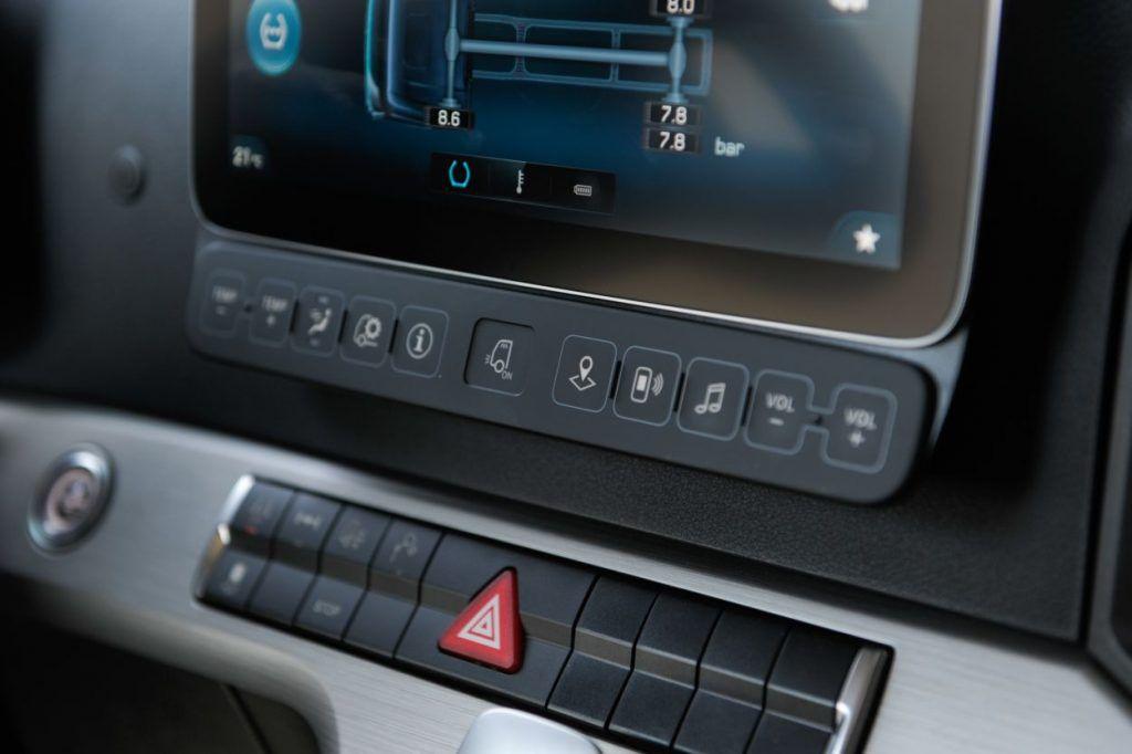Mercedes-Benz Actros (MP5), veliki test otkriva jesu li retrovizori i potrošnja najjači adut kamiona godine? 8